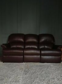 100% LEATHER GREAT CONDITION RECLINING SOFAS 3 SEATER AND 2 SEATER £300 AL IN