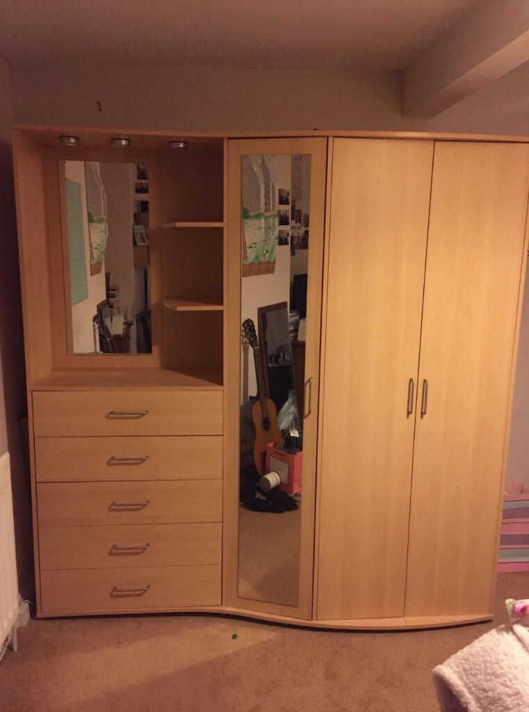 Combination Wardrobe Amp Dressing Table Very Good Condition