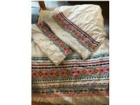 John Lewis king size duvet and 2 pillowcases