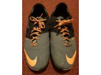Very Good Nike Football Boots UK 12