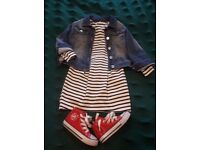 Clothes for a girl 3-4 years