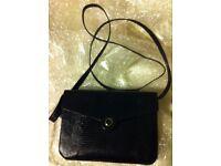 Gift perfect Ladies elegant black snakeskin, 2-pursed design hand bag with attachable shoulder strap