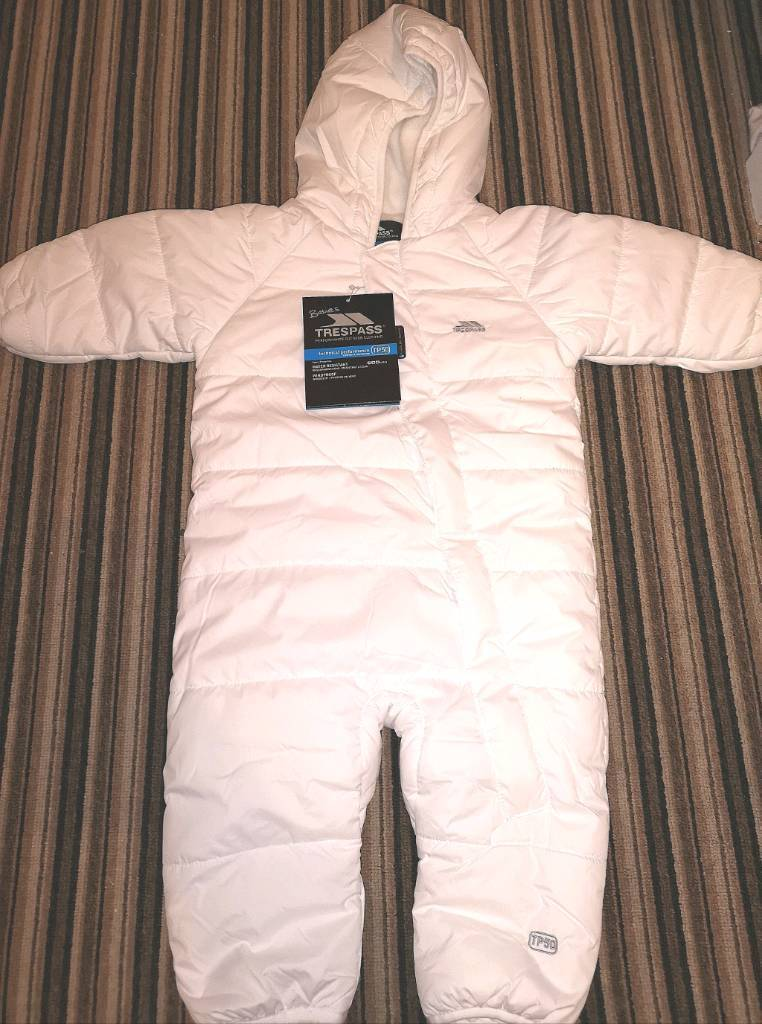 5670ba277 Trespass baby snow suit 6-9 months
