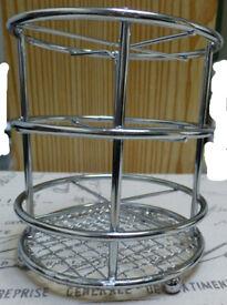 Round cutlery caddy