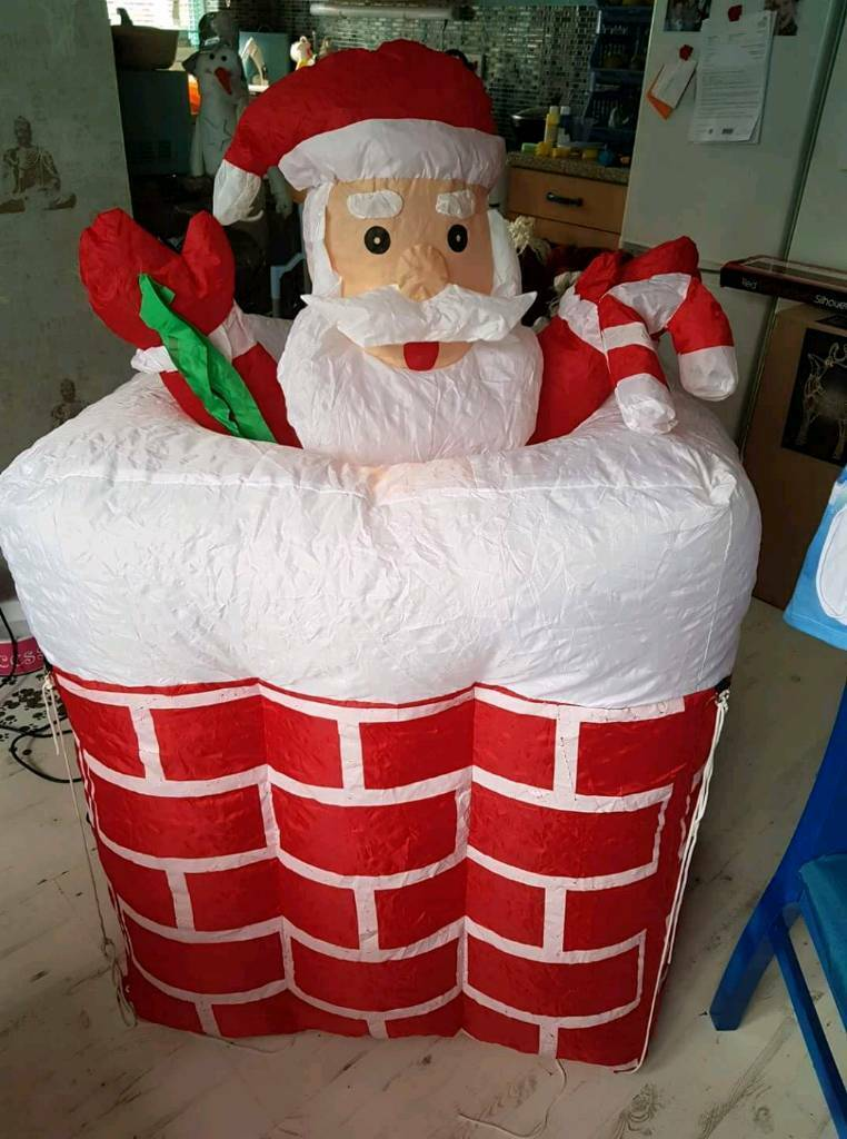 Aflow Santa in chimney