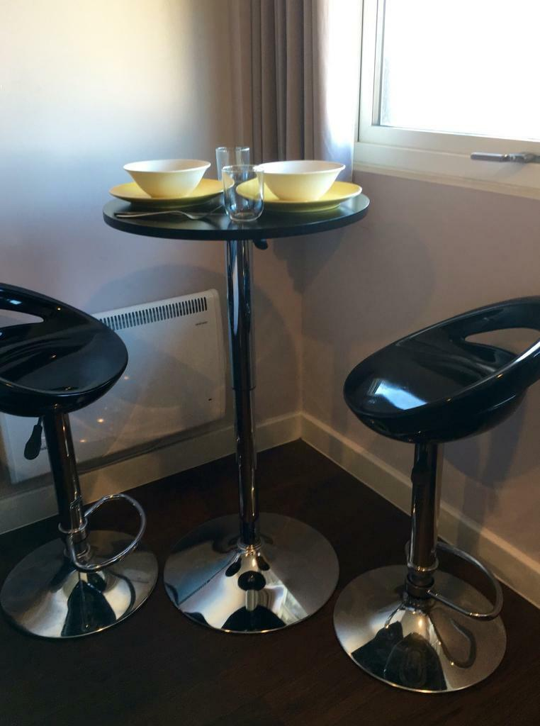 Round Tablein Nottingham, NottinghamshireGumtree - Round table with adjustable chrome base. TABLE ONLY for sale. Perfectly matches barstools @ Talbot Studios. Excellent condition . Sorry No delivery available