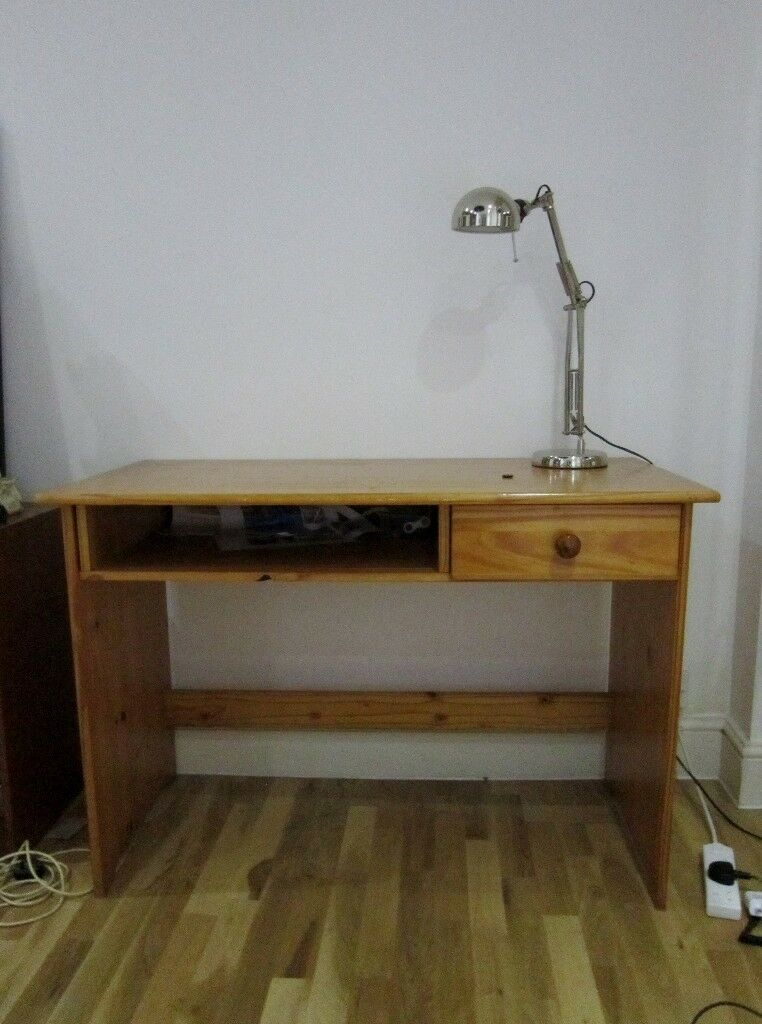 2nd Hand Solid Wood Desk with Drawers Good Condition (Pick up)
