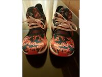 Womens size 5 Adidas trainers