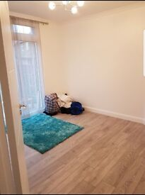 Double bedroom available in 1 bedroom flat share