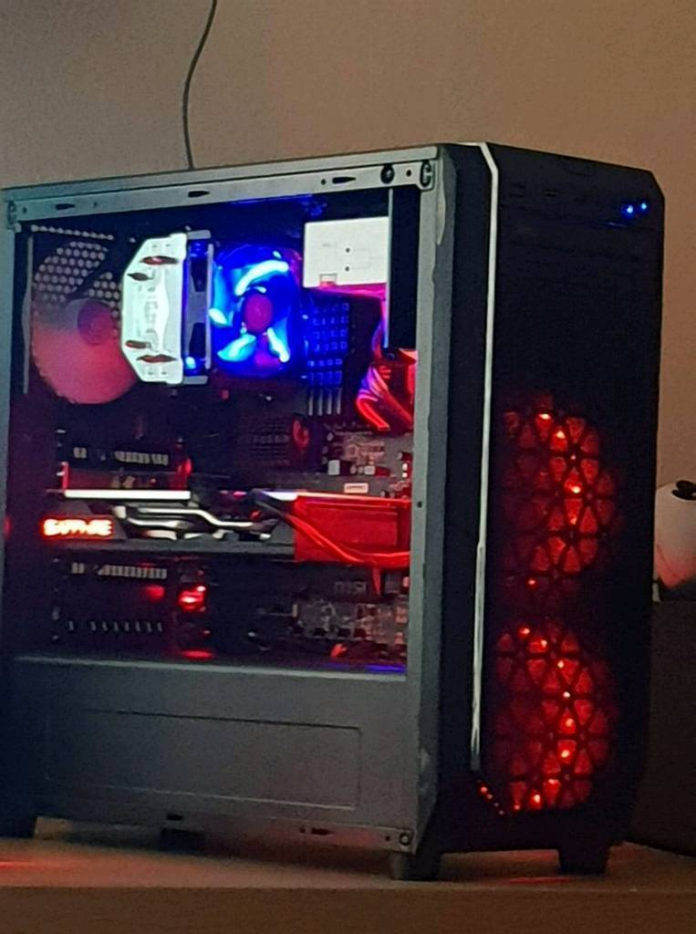 Ultra Custom Gaming PC  Amd 8 Core Rx570 4gb graphics card SSD etc   in  Neston, Cheshire   Gumtree