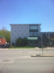 Dorval Monthly Apts,$975/monthly, furnished, no lease wifi incl