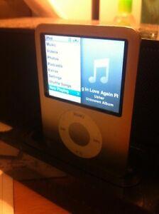 Apple iPod nano 4gb Silver 3rd generation Brunswick East Moreland Area Preview