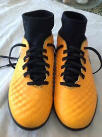 Junior Nike orange Magistax football boots with sock size 5