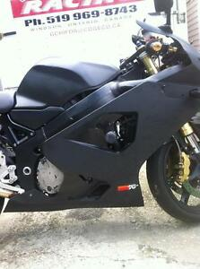 PARTING OUT A 2004 SUZUKI GSXR750 COMPLETE BIKE -FRONT WHEEL Windsor Region Ontario image 5