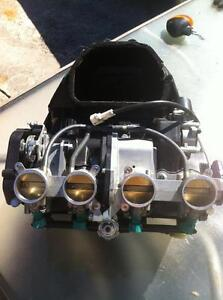2009 YAMAHA R1LE  SWING ARM AIR BOX FUEL INJECTION WITH 20000KM Windsor Region Ontario image 7