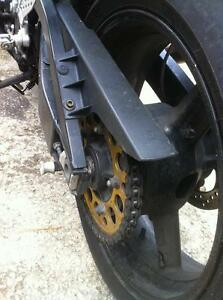 PARTING OUT A 2004 SUZUKI GSXR750 COMPLETE BIKE -FRONT WHEEL Windsor Region Ontario image 10
