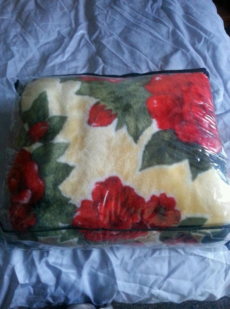 Double Mink Cozy Blanket Brand New Bargain In Bradford