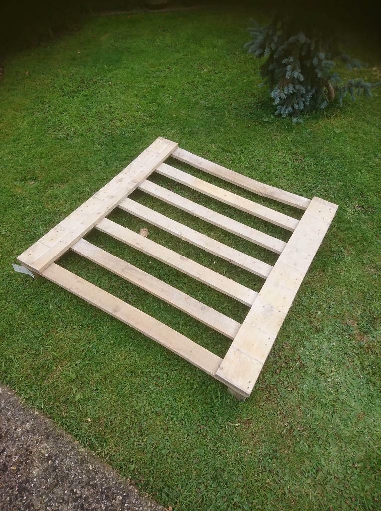 Free for collection 1 pallet type piece of wood   in ...