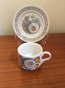 """Vintage Kathie Winkle """"Harrow 4"""" Dinnerware"""