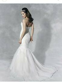 Wedding dress size 10 including wedding shoes, size 6 free shoes