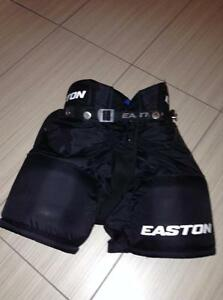 BOYS EASTON HOCKEY PANTS IN EXCELLENT CONDITION (NORTH LONDON) London Ontario image 2