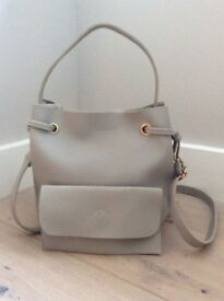 Handbag. Women's PU Leather 2pc Handbag - Wallet Set. Brand New. Light Grey. Detachable Strap.