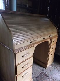 PINE ROLL TOP DESK / WRITING DESK / COMPUTER DESK ......PRICE REDUCED....