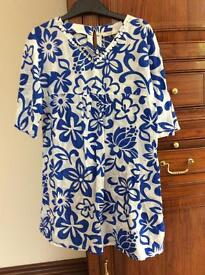 Blue and white caftan.