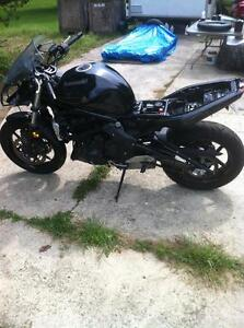 2011 KAWSAKI ZX650R WITH UNDER 1000 KM PARTING OUT Windsor Region Ontario image 6