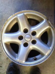 "4 - 15"" Jeep Cherokee Alloy Rims with Center Caps"