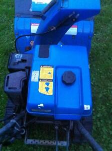 YAMAHA YS624 SNOWBLOWER/THROWER WITH PLASTIC FUEL TANK Windsor Region Ontario image 8
