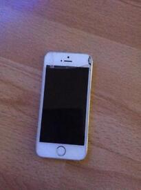 iPhone 5C 16GB ( Screen Damaged )