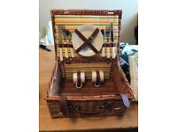 picnic basket brand-new never been used. british great for beach days out.