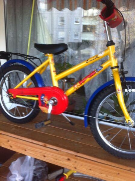 16 zoll kinder fahrrad rot gelb in west schwanheim. Black Bedroom Furniture Sets. Home Design Ideas