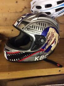 Men's medium helmet £10 can deliver if local