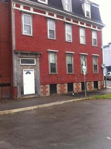 ** Nice Two Bdrm Newly Renovated Apmt Uptown Free Utilities ™*