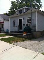 2 Bedroom Steps to Downtown and LHSC