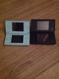 Black and blue Nintendo ds lite console