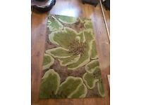 Like New Unique Collection Camellia Rug 90 x 150 cm