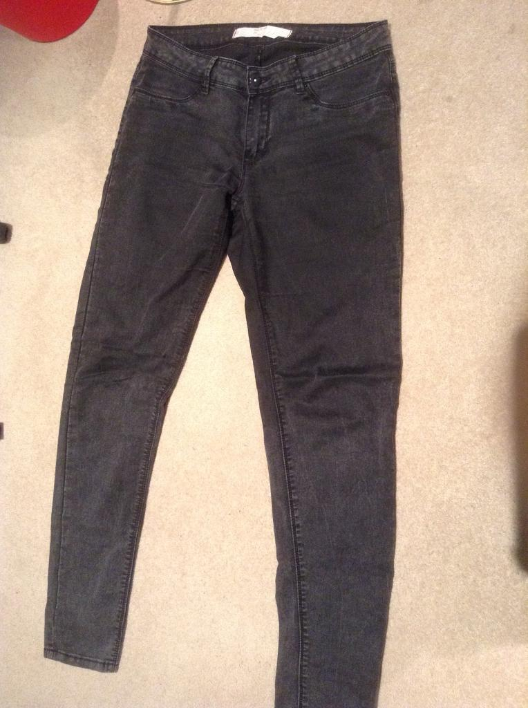 Grey / black trousers