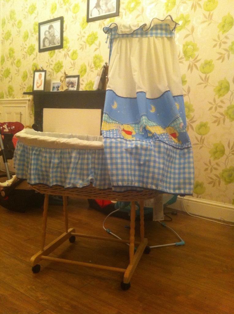 Winnie the Pooh crib and travel cot