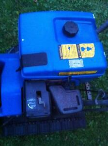 YAMAHA YS624 SNOWBLOWER/THROWER WITH PLASTIC FUEL TANK Windsor Region Ontario image 10