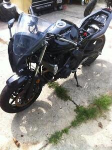 2011 KAWSAKI ZX650R WITH UNDER 1000 KM PARTING OUT Windsor Region Ontario image 7