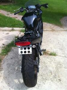 2011 KAWSAKI ZX650R WITH UNDER 1000 KM PARTING OUT Windsor Region Ontario image 4