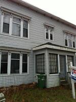** Spacious Bright Two bedroom, North, Utilities Incl.