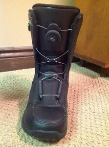 Snowboard BOOTS (Youth size 4)