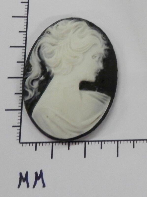 70245       Cameo -  Vict. Lady w/Long Hair   blk/wht. Oval 30x40  - by dz. SALE