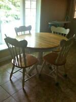 Nice Maple with White Stain Kitchen Table with 4 Chairs