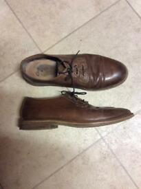 Clark's men's brown leather shoes size 8