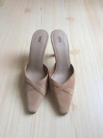 NEW Suede nude beige colour heels